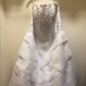 NBW Wedding dress/Matching veil
